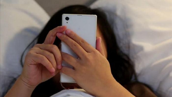 Điện thoại là vật bất ly thân đối với nhiều người, trong đó có tôi.