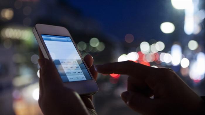 Buông điện thoại để cảm nhận cuộc sống chân thực hơn.