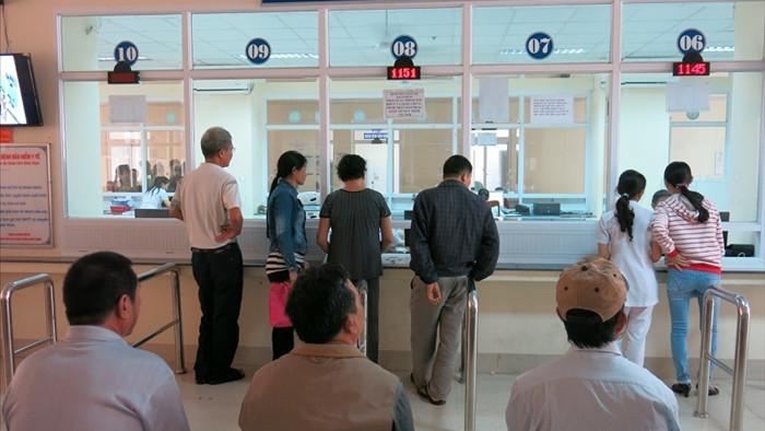 Bệnh nhân khám BHYT 80 lần 2 tháng: Phải trả lại tiền, hình sự hóa nếu lạm dụng