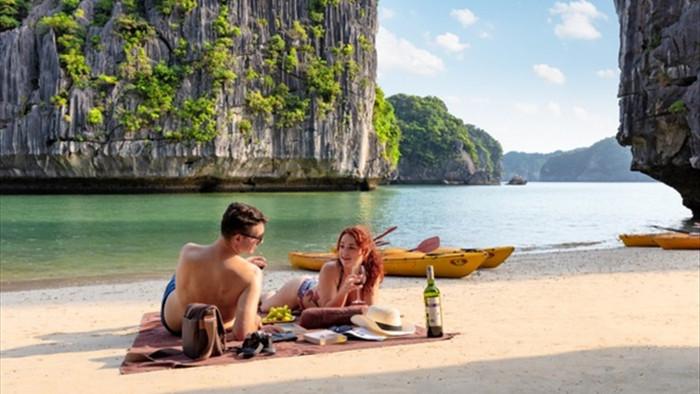 Từ tháng 7, ngành du lịch thí điểm đón khách quốc tế  - 2