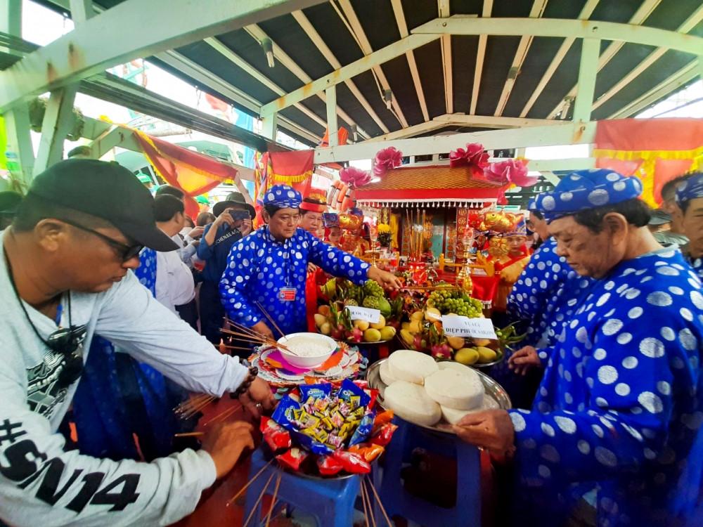 Cà Mau: Tưng bừng Lễ hội truyền thống Nghinh Ông Sông Đốc