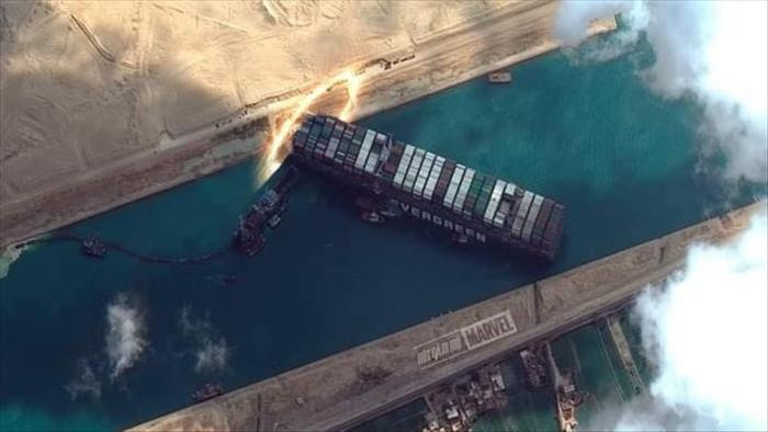 Dân mạng hiến kế giải cứu kênh Suez bằng loạt ảnh chế hài hước - 3