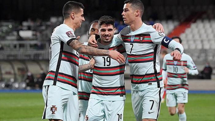 C.Ronaldo tỏa sáng cùng Bồ Đào Nha, Hà Lan thắng hủy diệt - 3