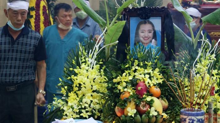 Hà Nội: Đau xót tiễn biệt cả gia đình 4 người tử vong trong vụ cháy - 2