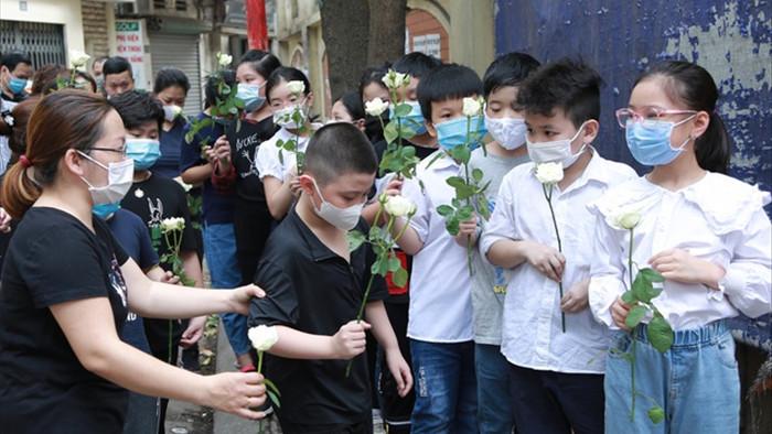 Hà Nội: Đau xót tiễn biệt cả gia đình 4 người tử vong trong vụ cháy - 5