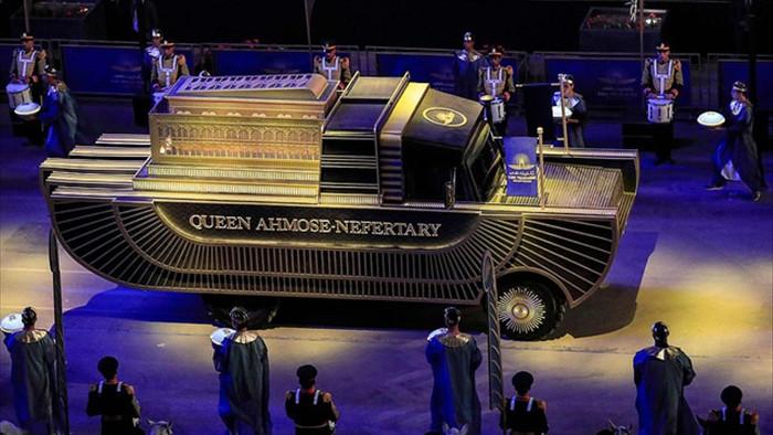 Choáng ngợp diễu hành xác ướp 3.000 tuổi của hoàng gia Ai Cập - 2