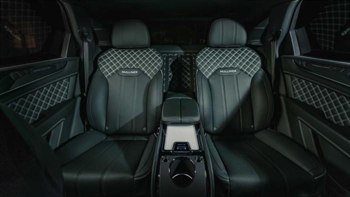 Ngắm SUV siêu sang Bentley Bentayga xanh ngọc lục bảo độc nhất vô nhị - 4
