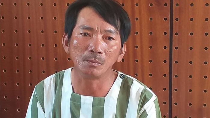 Bắt gã đàn ông chém vợ 'hờ', trốn truy nã gần 7 năm