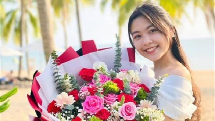 Nhan sắc tuổi 15 của con gái MC Quyền Linh - 2