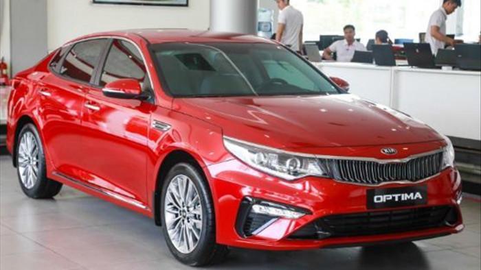 10 xe ế ẩm nhất tháng 3: Toyota tiếp tục 'chiếm sóng'