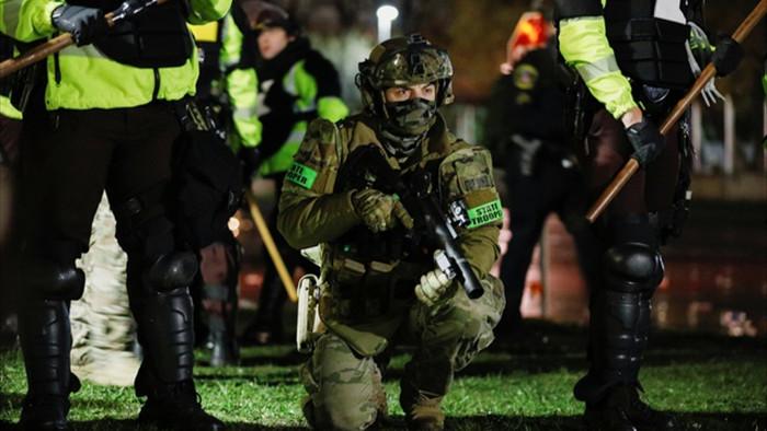 Cướp phá, hôi của bùng phát tại Mỹ sau vụ cảnh sát bắn chết người da màu - 5