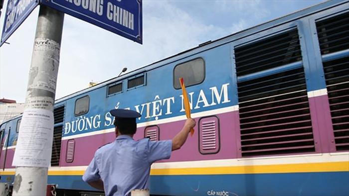 Đường sắt Việt Nam nguy cơ phá sản: Bộ GTVT lý giải nguyên nhân 2.800 tỷ bị tắc - 1