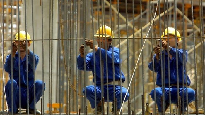Giá thép tăng phi mã, doanh nghiệp xây dựng than khó khăn - 1