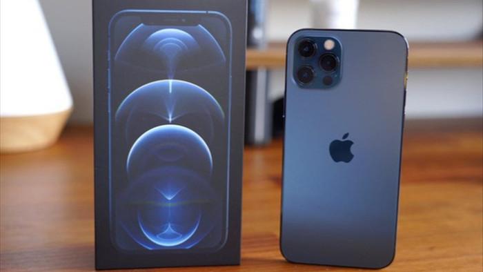 Giá iPhone 12 Pro Max giảm mạnh, về mức thấp nhất từ khi mở bán - 1