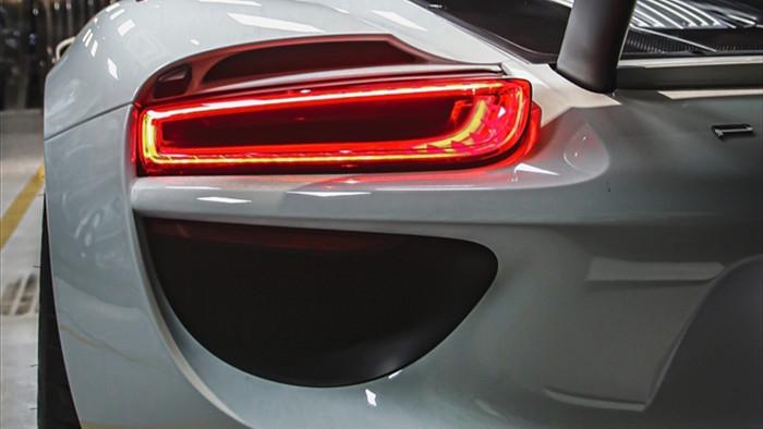 Siêu xe đắt nhất của Porsche về Việt Nam, giá khoảng 60 tỷ đồng - 5