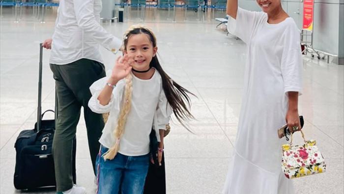 Đoan Trang bất ngờ thông báo đã rời Việt Nam sang Singapore định cư - 5