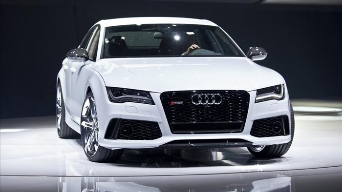 mua xe ô tô màu trắng