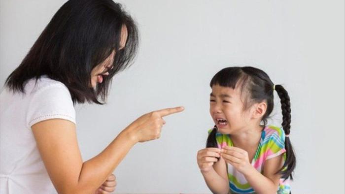 Những lời cha mẹ khiển trách vô tình giết chết sự tự tin của con mình - 1