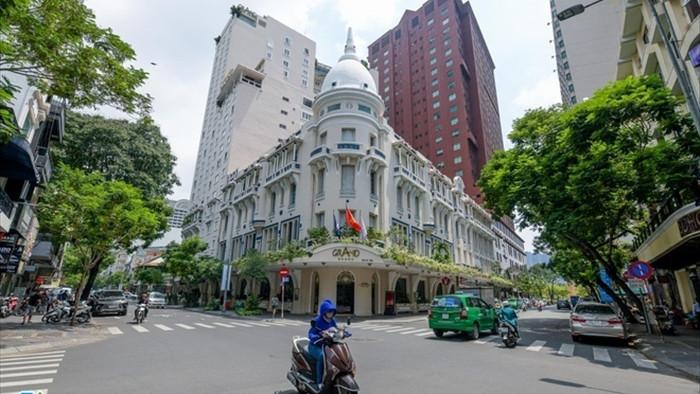 Khách sạn 5 sao giảm đến 65% giá phòng - 1