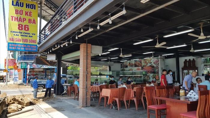 Một nhà hàng ở Nha Trang bị tố chặt chém 1,8 triệu đồng/kg ốc hương - 2