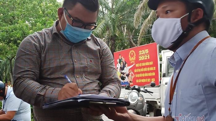 TP.HCM: Quận 1 phạt 6 người không đeo khẩu trang phòng dịch Covid-19