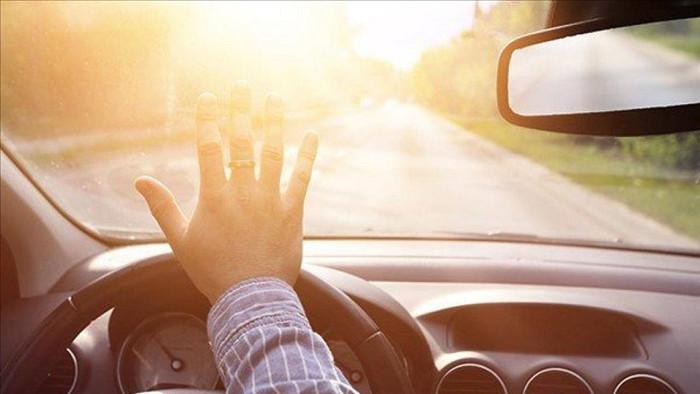 giảm chói mắt khi lái xe