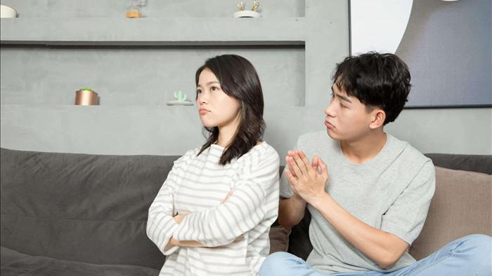 Phụ nữ dù thoải mái bộc lộ bao tâm tư từ trái tim cũng phải nhớ giấu kỹ 3 thứ này với chồng nếu muốn hôn nhân suôn sẻ hạnh phúc - Ảnh 2.