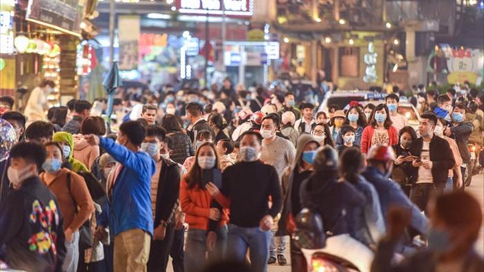 Sa Pa đông nghẹt khách du lịch lúc nửa đêm, nhiều tuyến đường ùn tắc - 11