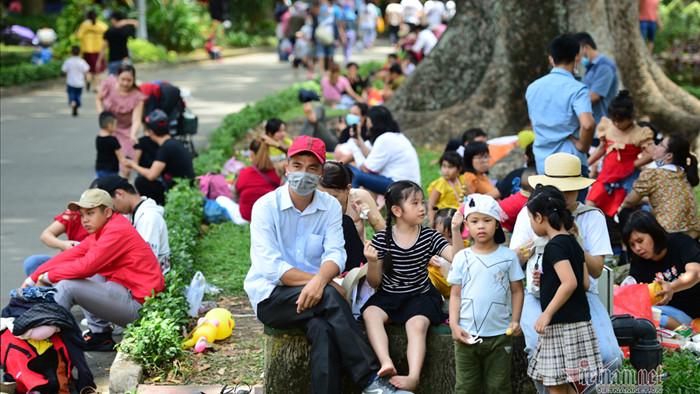Thảo Cầm Viên Sài Gòn đông nghẹt khách chơi lễ ngày 1/5