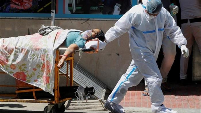 Ấn Độ: Bệnh nhân COVID-19 muốn nhập viện phải tự lo bình oxy - 1