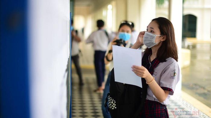 Trường học đầu tiên ở Hà Nội thi học kỳ II trực tuyến