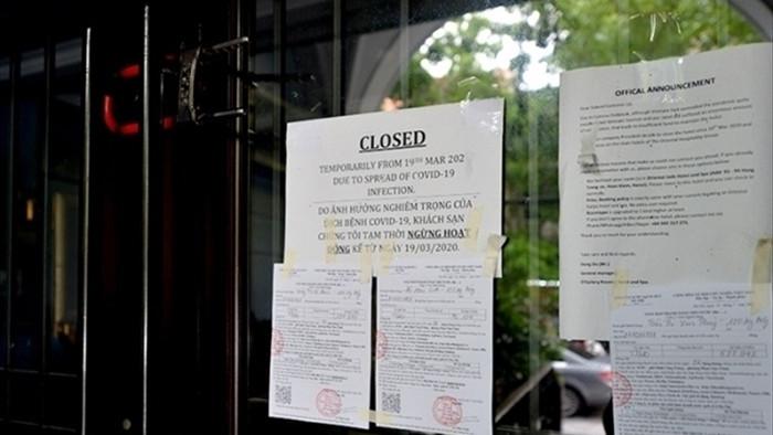Không chống đỡ nổi COVID-19, nhà hàng, khách sạn rủ nhau 'cửa đóng then cài' - 1