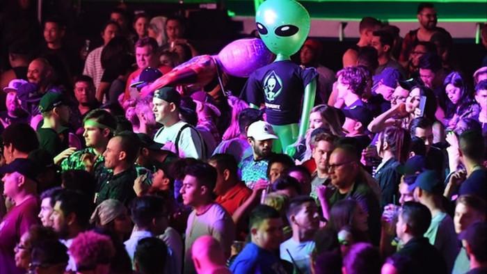 Người ngoài hành tinh vô hình có thể đang đứng giữa chúng ta? - 3