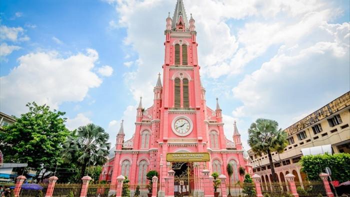 Chụp cháy máy ở 3 nhà thờ màu hồng đẹp nhất Việt Nam - 1