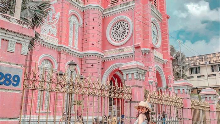 Chụp cháy máy ở 3 nhà thờ màu hồng đẹp nhất Việt Nam - 2