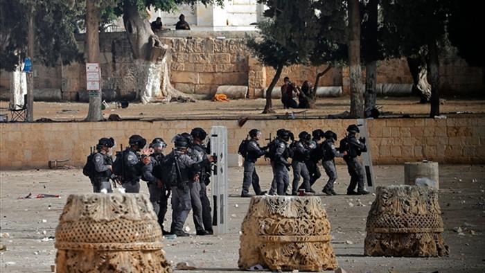 Xung đột dải Gaza leo thang: Người Palestine đụng độ quân Israel ở Jerusalem - 1