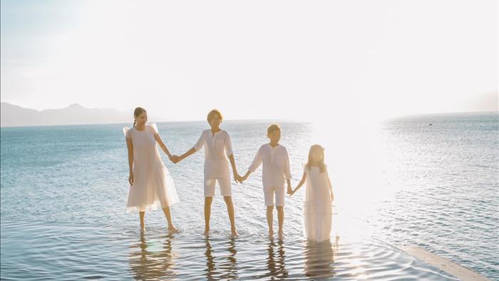 Hồ Ngọc Hà thon gọn khó tin sau khi sinh 3 con