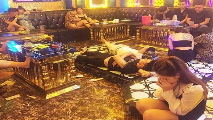 Chủ quán karaoke cho khách thả cửa tụ tập sử dụng ma túy - 1
