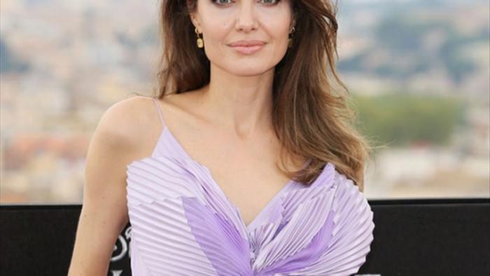 Lịch sử tình ái nổi tiếng của Angelina Jolie trước khi quyết định độc thân - 11