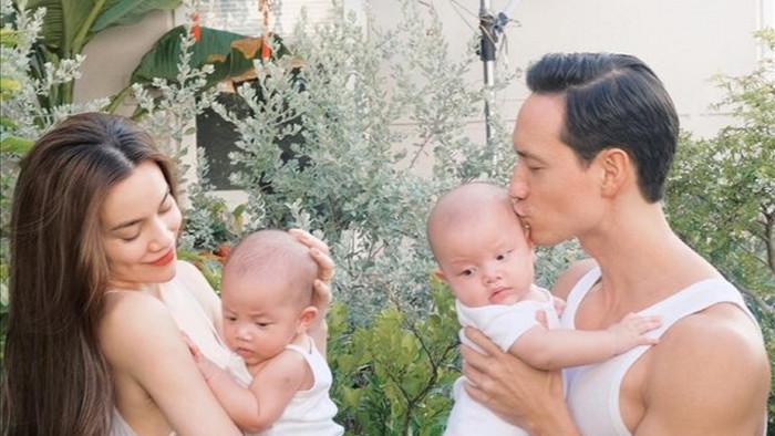 Hiện tại, Lisa và Leon có tới hơn 240.000 người theo dõi trên trang Instagram, được cha mẹ lập riêng cho hai bé. Dù mới chỉ hơn 6 tháng tuổi nhưng Lisa và Leon đã nổi tiếng và mang lại niềm vui hàng ngày cho rất nhiều fan hâm mộ./.