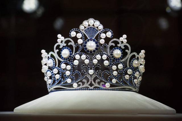 Hoa hậu Du lịch Thái Lan bị nghi đạo nhái vương miện của Hoa hậu Đỗ Mỹ Linh-3
