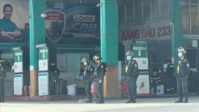 Công an tỉnh Đồng Nai khám xét cây xăng trong đường dây xăng lậu, xăng giả