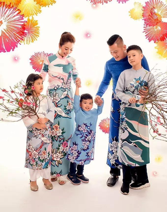 Hồng Nhung, Tăng Thanh Hà kinh ngạc ngoại hình con trai Quang Dũng-5