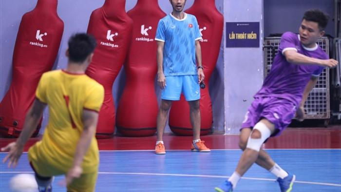 Khó khăn của tuyển futsal Việt Nam ở trận tranh vé dự World Cup - 2