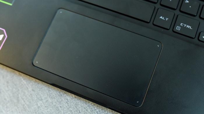 Cận cảnh ROG Flow X13: laptop gaming mỏng nhẹ, xoay gập 360 độ - 6