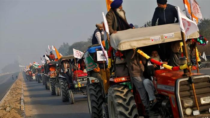 Biển người Ấn Độ kéo về New Delhi biểu tình bất chấp đại dịch - 1