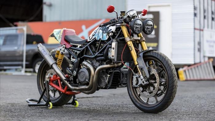 """Được thiết kế dựa trên chiếc FTR 1200S của Indian Motorcycles, chiếc Church of Chopper (CoC) được anh Wright tự mình làm lại toàn bộ thay vì chi tiền để độ lại một chiếc xe theo """"danh mục có sẵn""""."""
