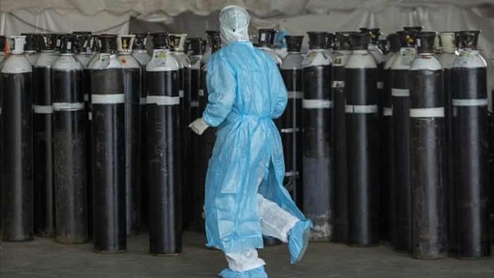 Hệ thống y tế nhiều nước sắp sụp đổ vì thiếu oxy: 'Thế giới vẫn chưa tỉnh táo' - 1