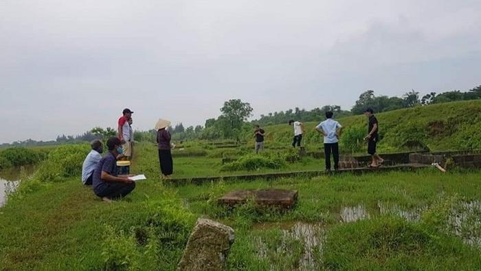 Công an điều tra hàng trăm ngôi mộ bị dùi thủng lỗ ở Thái Bình - 2