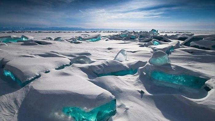 Cảnh đẹp như cổ tích ở hồ nước ngọt sâu nhất thế giới - 5
